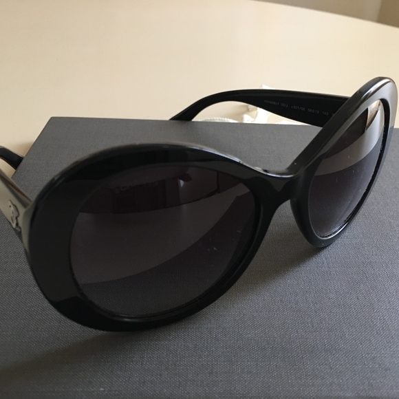 49f39303ede88 CHANEL Oval Sunglasses  5372